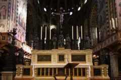 ©Giovanni-Pinton-Basilica-presbiterio-con-altare