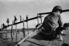 Pattugliamento-nel-canale-_Binh-Hung-Vietnam-del-Sud_1960