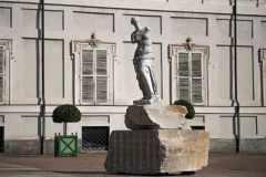 Fabio-Viale_Venus_2021_marmo-bianco-e-pigmenti_Credits-Nicolo-Campo-DB-Studio_01