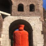 """Via Veneto Contemporanea"""", la mostra di Erwin Wurm nella strada della Dolce Vita"""