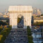 Parigi, impacchettato l'Arco di Trionfo. L'ultimo progetto di Christo